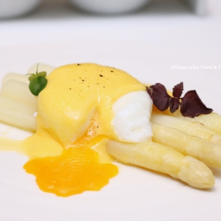 witte asperges hollandaise